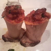 トリッパ・豚足・骨髄のトマト煮込みのオーブン焼き