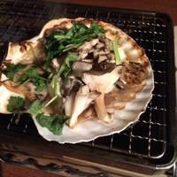 カキと舞茸の貝焼きしょっつる仕立て