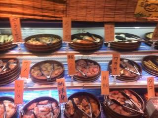 食べ放題メニュー お魚や練り物コーナー