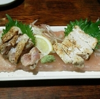会津地鶏の炙りたたき 岩塩盛り