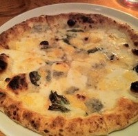 4種類のチーズピッツァ