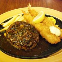黒×黒ハンバーグステーキ&海老フライ