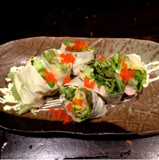 蟹とモッツァレラチーズの生湯葉巻き