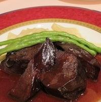 イベリコ豚舌の赤ワイン煮込み