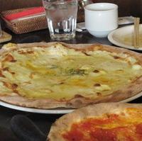 4種類のチーズを使ったピザ