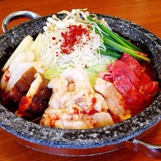 名物韓式すき焼き石鍋