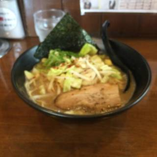 野菜とんこつラーメン