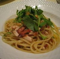 スパゲッティーニ メカジキのスモークとルッコラ和え