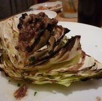 キャベツのオーブン焼きアンチョビソース