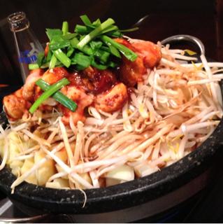 韓国石鍋ホルモン焼き