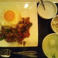 バジル炒めご飯