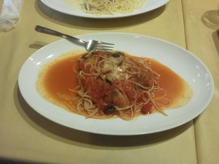 いろいろ野菜のトマトソースパスタ
