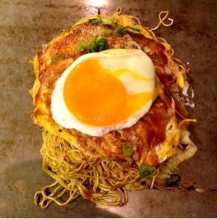 肉玉ソバ 半熟卵
