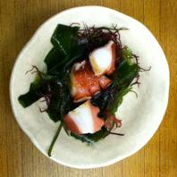 たこの海藻サラダ