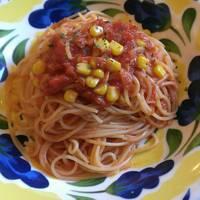 ツナとコーンのトマトソース