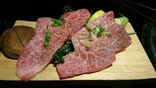 食べ比べシリーズ【神戸牛】と【松阪牛】究極の食べ比べ