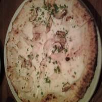 ポルチーニ茸のピザ