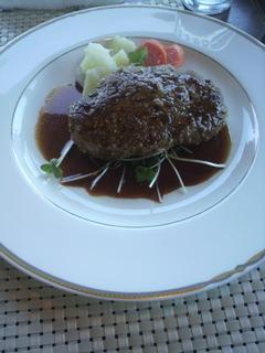 赤牛ハンバーグ