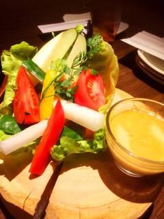 6種国産野菜の彩りバーニャカウダ