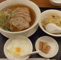 チャーシュー麺とハーフチャーハンセット