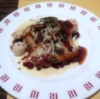 白身魚と帆立貝のグリル たっぷりキノコと2色のソース