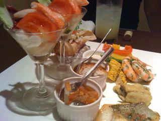 初夏のお野菜と魚貝類の贅沢な盛り合わせ