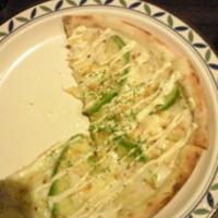 ズワイ蟹とアボカドのグラタンピザ