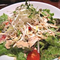 蒸し鶏サラダ