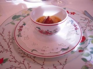 フォアグラのフランとそのフリット コンソメ和え トリュフ風味