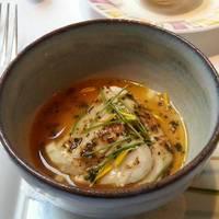 宮崎県みかど地鶏をのせたフォワグラのフラン キャフェドパリ・ソース
