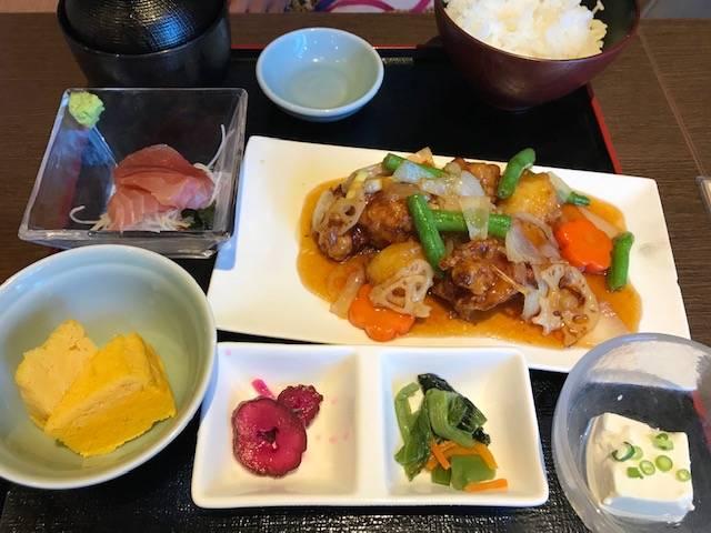 鶏と野菜の黒酢定食
