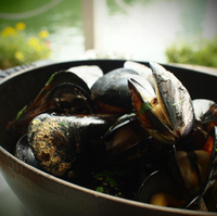 ムール貝の白ワイン蒸し 黒胡椒風味
