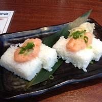 サーモンネギトロのっけ盛り寿司