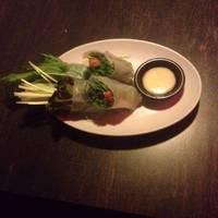 サーモンとクリームチーズのヘルシー野菜シャキシャキ生春巻き