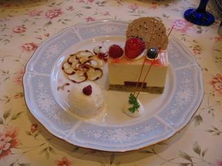 キャラメルムースケーキ
