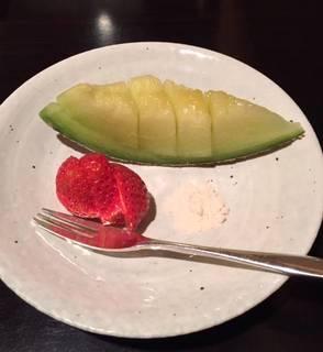 メロンとイチゴのデザート