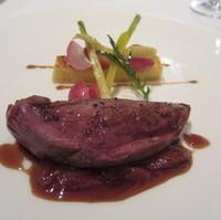 鴨の胸肉苺のコンフィのソース