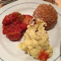 選べる前菜3品盛り合わせ(ミートボール、ライスコロッケ、サツマイモサラダ)