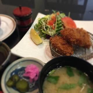 今週のランチ(3/27~3/31)牛すじ煮とカキフライ
