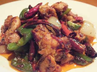 若鶏と唐辛子のピリ辛炒め