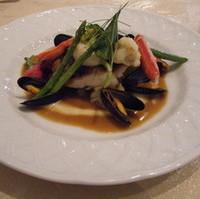 シェフおすすめの鮮魚料理 マッシュルームのエッセンス