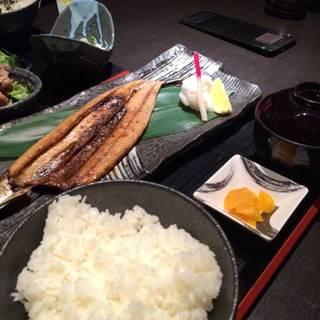 炭焼き炉端定食(魚)