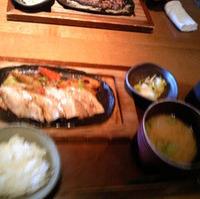 茹で響喜豚と根菜の鉄板焼き