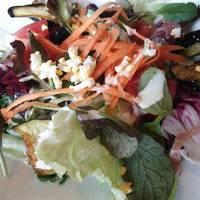 季節の野菜盛りだくさんのシーザーサラダ風