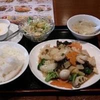 秋の八宝菜・サラダランチ