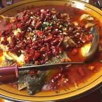白身魚と辛子、山椒の四川風煮込み