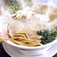 白しょうゆ燻製チャーシュー麺