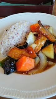 十八穀米と食べる 国産豚と野菜の甘酢ソース