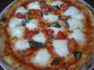 水牛のモッツアレラチーズピザ