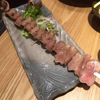 松阪豚タンのハーブ大串焼き